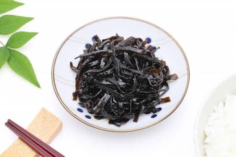 味噌汁の出汁(だし)を取った後の昆布や煮干の活用法をご紹介