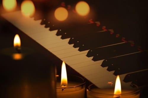 【クリスマスソング】名曲!昔懐かしい洋楽のおすすめ定番曲「Bobby Helms(ボビー・へムルズ)/Jingle Bell Rock」