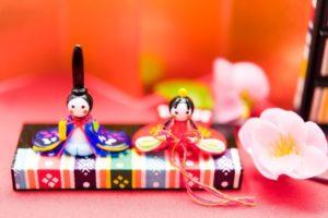 ひな祭りに雛人形を飾る意味や由来とは?
