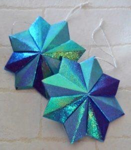 クリスマスオーナメントを折り紙で!おしゃれな立体の星飾り①
