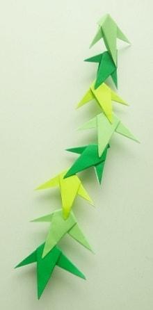 七夕飾りを折り紙で♪かわいい簡単な笹の葉の折り方