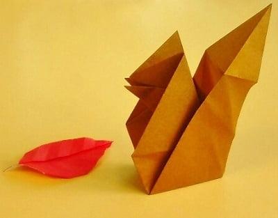 折り紙で作る「リス」(立体の可愛い簡単な折り方3)