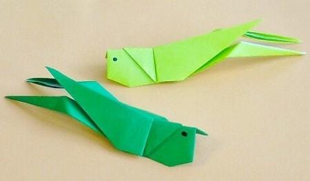 【折り紙で秋の虫】キリギリスの折り方(立体・子どもでも簡単に作れる)