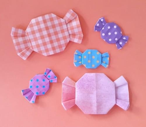 【ハロウィン 折り紙】リースのオーナメントの簡単な作り方(かわいい飴(あめ)の飾り)