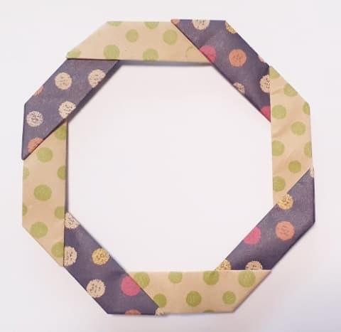 【ハロウィン 折り紙】リースの簡単な作り方1