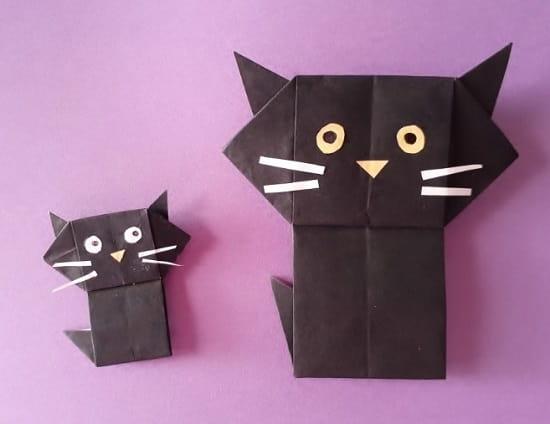 【ハロウィン 折り紙】リースのオーナメントの簡単な作り方(かわいい黒猫の飾り)