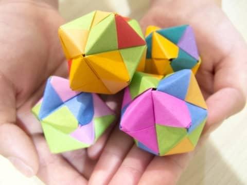【折り紙のくす玉】星型の簡単~難しい作り方5選【ユニット折り紙】
