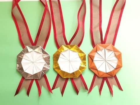 オリンピックを折り紙で!金・銀・胴メダル(勲章)の簡単な折り方
