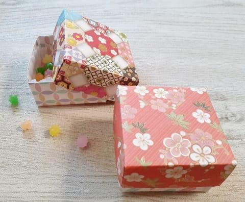 【折り紙】正方形の箱 かわいいふた付きの簡単な作り方(折り紙2枚で作る伝承の箱)