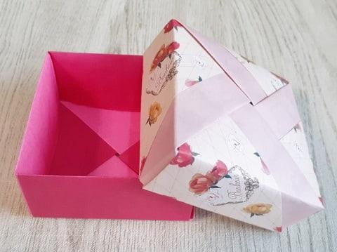 【折り紙】正方形の箱 かわいいふた付きの簡単な作り方(折り紙8枚で作るユニット箱)